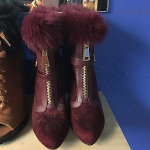 Size 8 booties With Fur Deep Red Color